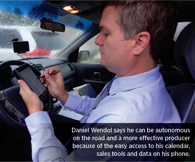 Daniel Wendol and his Samsung Galaxy Not II